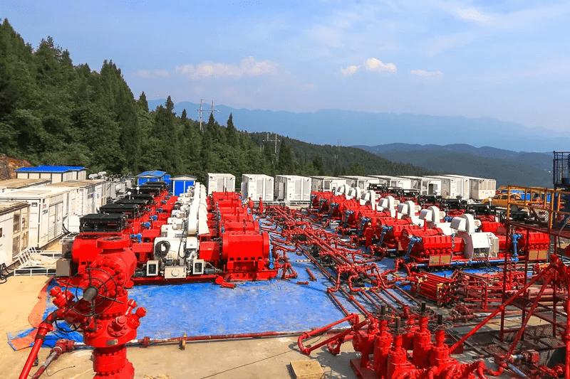 2020年12月石化机械全电动压裂成套设备在重庆页岩气开发平台进行压裂作业