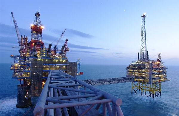 逐梦渤海湾 海上平台施工显身手